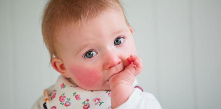 Bébé fait ses dents